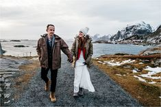 What's it like to get married during the polar night when the sun doesn't rise? Check out this Lofoten Elopement in Norway and you'll see! Lofoten, Snow Wedding, Elope Wedding, Winter Wedding Inspiration, Elopement Inspiration, Polar Night, Beautiful Norway, See The Northern Lights, Norway Travel