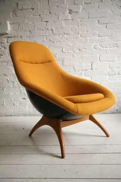 1960s Lurashell Chair Large // See more from digital hoarder Monsieur EZ~Beat! @  https://www.pinterest.com/MonsieurEZBeat/©