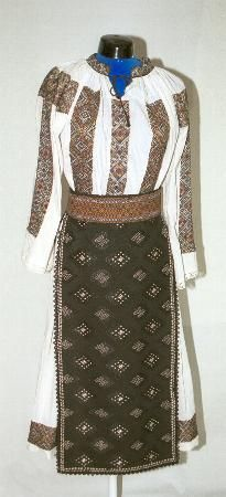 Women's costume from Banat, zone Timiş, village Ohaba Forgaci Folk Costume, Costumes For Women, Romania, Folk Art, Two Piece Skirt Set, Textiles, Culture, Popular, Traditional