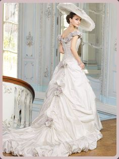 Victorian Wedding Dresses for Sale Unique Victorian southern Belle Ball Gowns From the Civil War Victorian Gown, Victorian Fashion, Elizabethan Dress, Old Dresses, Pretty Dresses, Beautiful Gowns, Beautiful Outfits, Bridal Gowns, Wedding Gowns