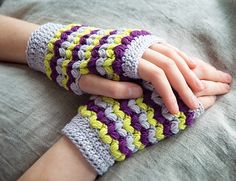 Neon Love Mitts, de Meghan Fernandes http://www.ravelry.com/patterns/library/neon-love-mitts