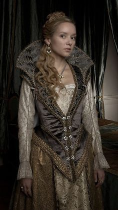Series 2 promo pictures... I'm sure I will eventually adjust to Anne being a blonde, but it's weeeeird right now