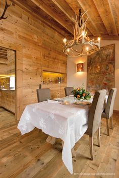    Arte Rovere Antico - Photo by Duilio Beltramone for Sgsm.it    Casa Engadina - Alta Engadina - Svizzera - Wood Interior Design - Mountain House