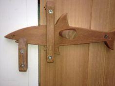 Sliding wood gate latch barn door latch backyard for Door to gate kontakt