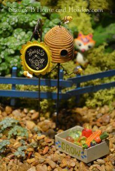 Gypsy Garden Honey For Sale Sign.