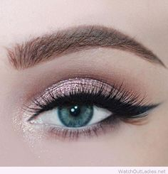 35 Amazingly beautiful Rose glitter eye makeup for blue eyes ausformung bemalung maquillaje makeup shaping maquillage Glitter Eye Makeup, Blue Eye Makeup, Skin Makeup, Makeup Eyeshadow, Eyeshadow Blue Eyes, Makeup Looks Blue Eyes, Bridal Makeup For Blue Eyes, Natural Eyeshadow Blue, Makeup Goals