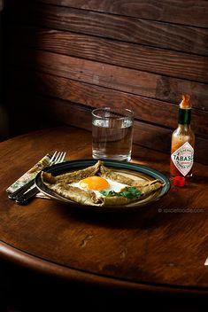 Hemp-Oat Flour Crepes with Fried Eggs for #MeatlessMonday   #hemp #oat #crepes #glutenfree #breakfast