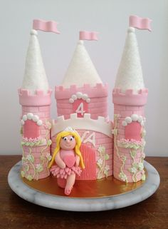 Princess Castle Cake Princess Castle, Cooking With Kids, Creative Kids, Beautiful Cakes, Kids Meals, Gingerbread, Birthday Cake, Desserts, Food