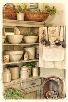 Shabby Chic Kitchen, Vintage Kitchen Decor, Farmhouse Kitchen Decor, Farmhouse Chic, Country Kitchen, Kitchen Interior, Equestrian Decor, Cottage Kitchens, French Kitchen
