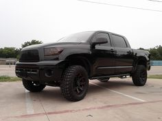 I dont even like Tundras but this one is awesome. Lifted Tundra, Tundra Truck, Toyota Trucks, Lifted Trucks, Cool Trucks, Cool Cars, Toyota Tundra Forum, New Pickup, Future Trucks
