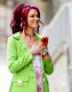Joss Stone- luv that coat Man if I could pull off this crazy outfit and hair I totally would. Dark Roots Hair, Modern Day Hippie, Joss Stone, Beautiful Hair Color, Crazy Outfits, Hair Laid, Crazy Colour, Trendy Hairstyles, Pink Hair