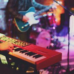 15.05.2015 - Koncert Tymona Tymańskiego z zespołem w Winnicy. Piano, Music Instruments, Musical Instruments, Pianos