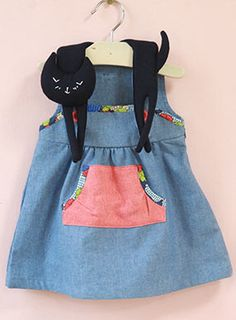 ❤ cat dress for girls - Ha! I think I know some grown up crazy cat ladies who could use this! Fashion Kids, Little Fashion, Baby Girl Fashion, Look Fashion, Cat Dresses, Little Girl Dresses, Girls Dresses, Kid Styles, Sewing For Kids