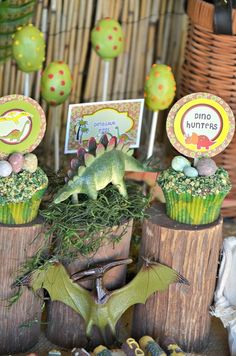 Celebrate with a cool dinosaur party. Fun Jurassic Park themed decorations, food, games and party favors. Dinosaur Birthday Party, 4th Birthday Parties, Birthday Fun, Jurassic Park Party, Childrens Party, Party Time, Dinosaur Cupcakes, Egg Cupcakes, Party Cupcakes
