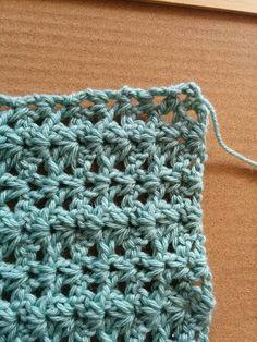 スヌードにファーヤーンを編みつける Crochet Videos, Blanket, Shawl, Blankets, Shag Rug, Comforters, Quilt