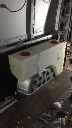 Frischwassertank Frischwassertank - Create Your Own Van Van Conversion Interior, Camper Van Conversion Diy, Van Interior, Sprinter Van Conversion, Mini Camper, Camper Life, Truck Camper, Kangoo Camper, Sprinter Camper