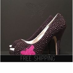 1. Top quality pearls. Image - Black2. Butterfly : Fuchsia Pink Pearls3. Image: 5 heels 1 1/4 platforms. 4. 100% 3. 100% custom handmade5. 15 DAYS PROCESSING + shipping time