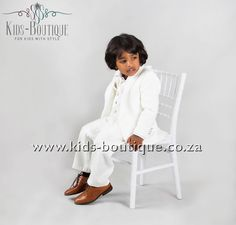 3 Piece Cream Suit With Collar Detail