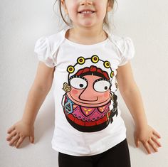 T-shirt Maria de Ponte by MadalenaMartins on Etsy