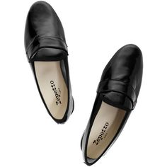 Repetto Michael patent-leather loafers (15,925 PHP) ❤ liked on Polyvore featuring shoes, loafers, flats, black patent loafers, slip on shoes, black shoes, black patent leather shoes and black patent flats
