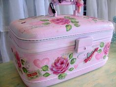 Hello. Welcome to my shoppe. Today I have for you a vintage traincase I call My Pink Valentine. Of course, I was inspired by the upcoming holiday.
