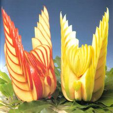 Image from http://www.templeofthai.com/images/fruit_carving/appleswansart.jpg.pagespeed.ce.F0UpTZE4OL.jpg.