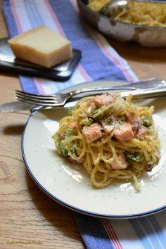 Esparguete com salmão e Brócolos