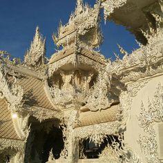 Una ilusión hecha realidad en chiang rai: el templo blanco ,increible!