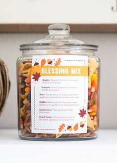 Thanksgiving blessing mix Thanksgiving blessing mix free printable -a sweet and salty snack mix that is perfect for gift giving or holiday snacking. Free printable available. The post Thanksgiving blessing mix appeared first on Holiday ideas. Thanksgiving Cookies, Thanksgiving Blessings, Thanksgiving Parties, Thanksgiving Recipes, Fall Recipes, Holiday Recipes, Thanksgiving Decorations, Family Thanksgiving, Thanksgiving Activities