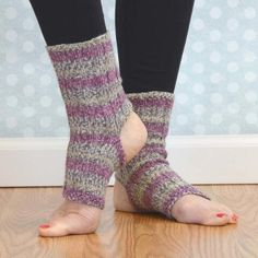 yoga socks pattern by belinda too knits pinterest socken stricken stricken und socken. Black Bedroom Furniture Sets. Home Design Ideas