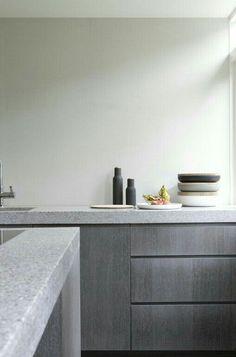 Modern minimalist kitchen design with granite decoration 00001 Minimal Kitchen, New Kitchen, Kitchen Decor, Kitchen Grey, Kitchen Modern, Kitchen Contemporary, Kitchen Shades, Kitchen Styling, Stylish Kitchen