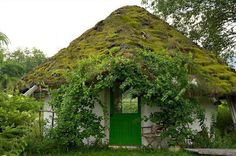 3 Reasonable Cool Ideas: Shed Roofing Design shed roofing architecture.Roofing Ideas Cheap shed roofing design. Fairytale House, Cabin In The Woods, Living Roofs, Living Walls, Natural Homes, Roof Architecture, Sustainable Architecture, Thatched Roof, Earth Homes
