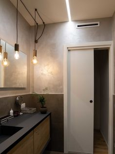 LA CASA SARTORIALE (VI) | Olev Bathroom Interior, New Homes, Interior Design, Mirror, Bedroom, House Styles, Wood, Inspiration, Interiors