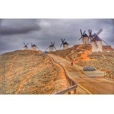 Molinos de Consuegra... Eternos enemigos del Quijote de la Mancha