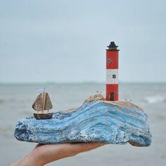 """Всем доброго осеннего дня!!! """"Если море тебя печалит, ты безнадежен."""" Федерико Гарсиа Лорка. Меня вот море не печалит. Радует, волнует, успокаивает, все что угодно, но не печалит. Интересно, существуют ли такие люди, которых море оставляло бы равнодушным _____________________________ #дрифтвуд #море #голубицкая #краснодарскийкрай #отдых #отпуск #подарок #сувениры #красота #дерево #изделияиздерева #домики #дом #dom #house #handmade #ручнаяработа #искусство #art #азовскоеморе #черно..."""