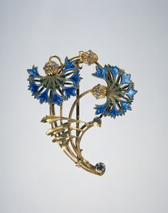 Cornflower brooch, made in France, late 19th - early 20th century