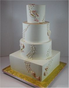 Cup a Dee Cakes Blog: Koi Wedding Cake.    I love the simplicity and flow of this design- and that it's koi. I really love that it's koi.