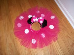 cute idea for costume for aadynn for halloween.she is obsessed with mickey mouse club right now.,Or 4 Elaina the B- day girl's outfit! Minnie Mouse Theme Party, Minnie Mouse Cake, Minnie Birthday, 2nd Birthday Parties, Mickey Mouse, Birthday Ideas, Mini Mouse Costume, Tutu Costumes, Disney Crafts