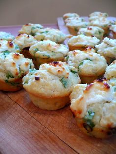 savory goat cheese and green onion mini muffins. So easy to make and slightly addictive. It's a simple muffin recipe with a blob of melting goat cheese in it which makes them savory, tangy, and a little bit sweet at the same time. Muffin Tins, Muffin Tin Recipes, Bread Recipes, Cooking Recipes, Cheese Recipes, Cooking Tips, Appetizer Recipes, Appetizers, Gourmet