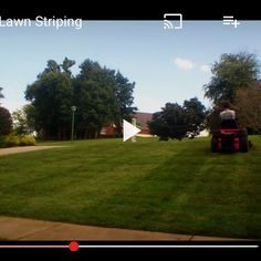 Learn how to cut #verticallawnstripes in our lawn business e course on link in bio. #lawncare #landscaping #lawnguide #lawnbusinesscourse #lawnbusinessecourse