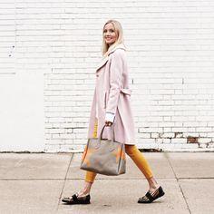 Un peu de couleur pour s'agencer aux bourgeons qui se multiplient  #lookdujour #ldj #streetstyle #spring #pastel #pink #yellow #colorful #style #outfitideas #outfitinspo #inspiration #regram  @livjudd