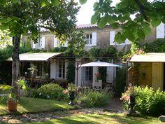 Chambres d'hôtes à vendre à St Hippolyte en Charente-Maritime