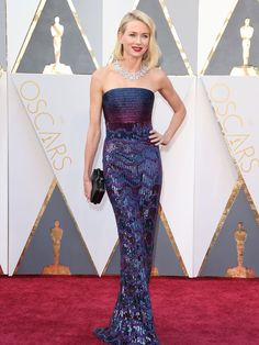 Oscars The stars shine on the red carpet Naomi Watts 2016, Oscar Fashion, Nice Dresses, Formal Dresses, Armani Prive, Celebrity Red Carpet, Celebrity Outfits, Red Carpet Fashion, Elegant Woman