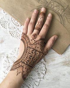Modern mehendi henna design for hand by@rabbyy_mehndi.jpg #mehndi #mehndidesign #henna #hennadesign #hennatattoo #hennaart #mehndiart #mehendidesign #mehndidesignforhand