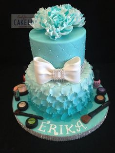 Opppsss, they spelled my name wrong. Pretty cake, without the makeup stuff or flowers on top. Keep it simple.