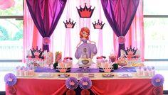 Mesa de postres para fiesta de princesa Sofía. #FiestaPrincesaSofia