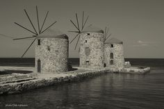 Travel in Clicks: B & W Chios