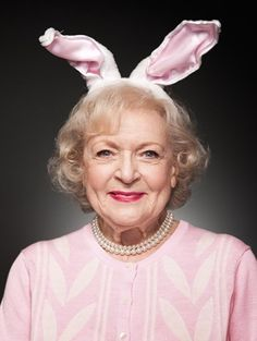 Betty White by lois