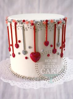"""Bling mini cake...4"""" dummy cake (© House of the Rising Cake You may not reproduce, blog, borrow, alter or use this photo without written consent from the artist.) Feel free to repin but please link back to my website. Thank you."""