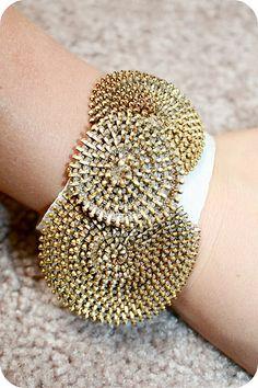DIY zipper rosette bracelet by Made By Heidi